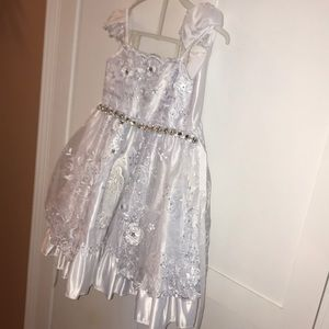 Dress 4 only once used
